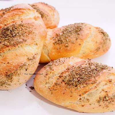 Pan con hierbas provenzales